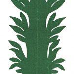 """Luise B. (1842–1920), Häfterin / literally a """"gluer,"""" someone who repaired tableware: «Baum und zwei Personen», Scherenschnitt aus dunkelgrünem Papier / tree and two figures, silhouette on dark green paper, 23,5 x 8,5 cm, undatiert/ undated, Sammlung Münsterlingen, Inv. Nr. 106 recto, StATG 9'10, 5.4/1045"""
