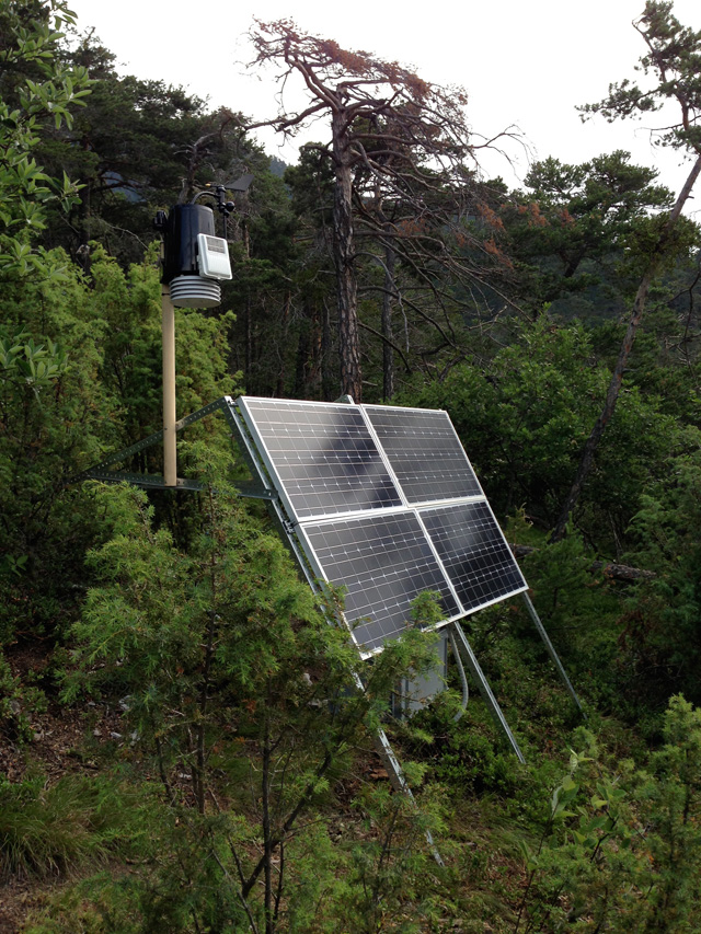 Measurement site at Salgesch/VS 2013/14: Weather station and photovoltaic system