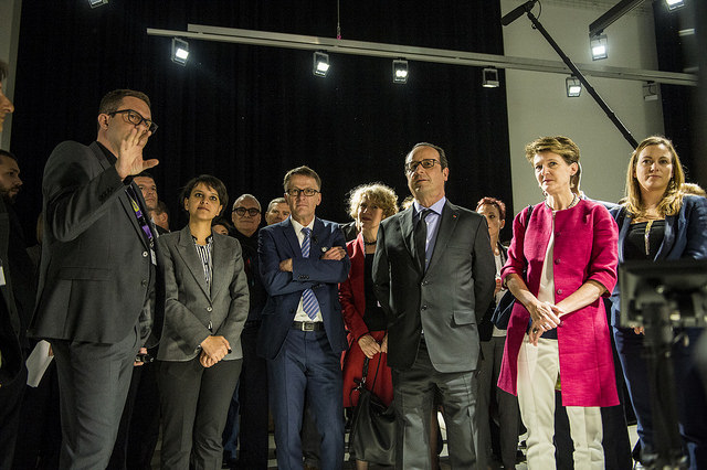 Marcus Maeder and Roman Zweifel show the 'trees' installation to French President François Hollande and President of the Swiss Confederation, Simonetta Sommaruga, accompanied by Najat Vallaud-Belkacem, Minister of Education, Higher Education and Research, Corinne Mauch, Mayor of the City of Zurich and Thomas D. Meier, President of the Zurich University of the Arts.