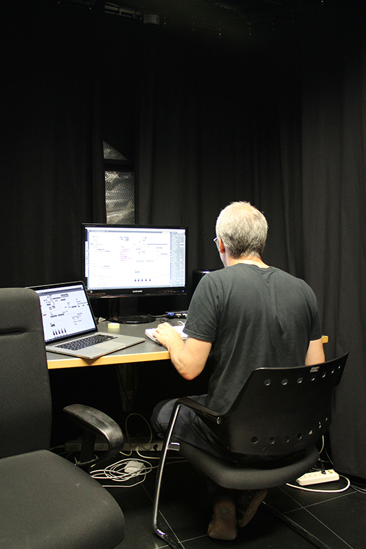 Thomas Peter finishes the new software for the Immersive Lab.